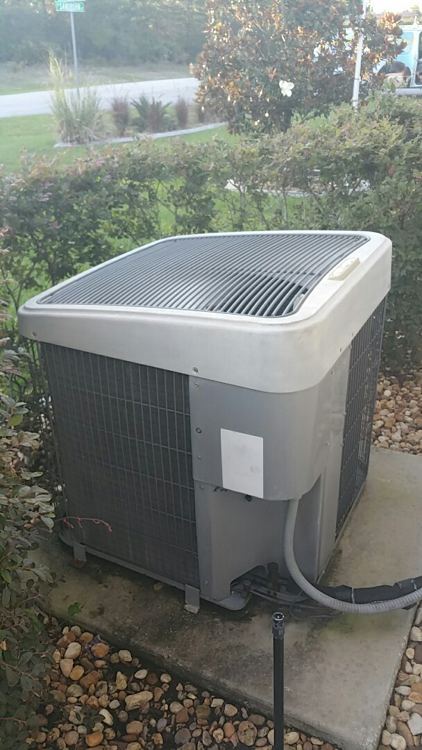 Citrus Springs, FL - Em service insufficient Cooling on a 3.5 ton tempstar heat pump ac system, system low in charge adjusted charge, leak-check, suction acc.leaking order part