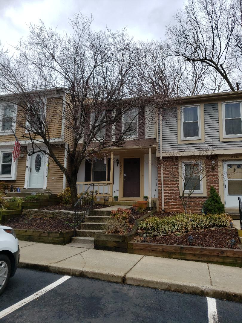 Germantown, MD - Replaced roof with shingle master certified certainteed roofing system. Xt25 Cedar Brown