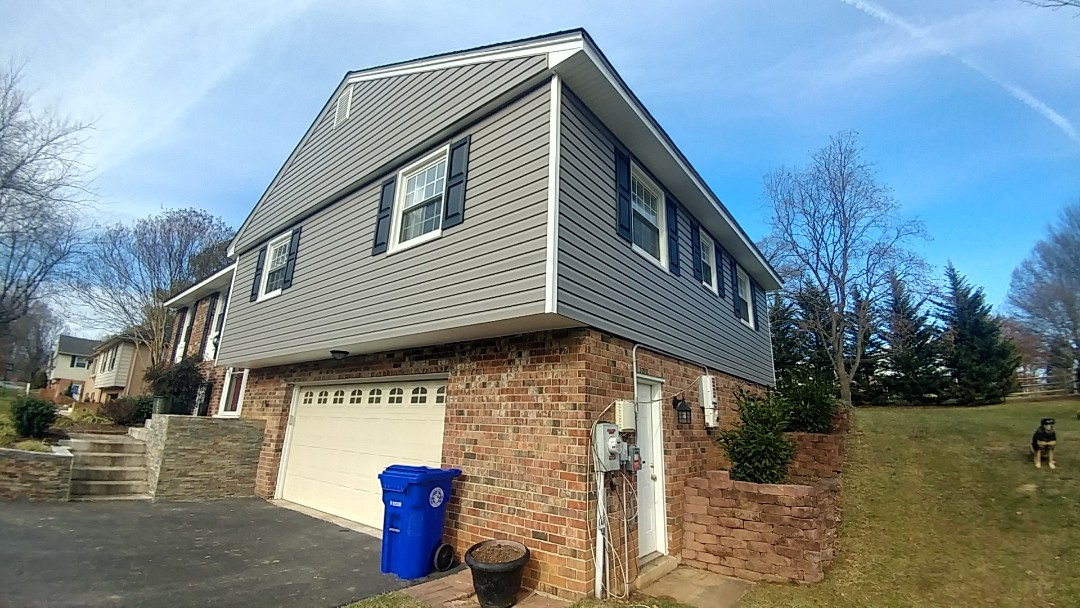 Olney, MD - New Alside Odyssey vinyl siding, soffit and trim.