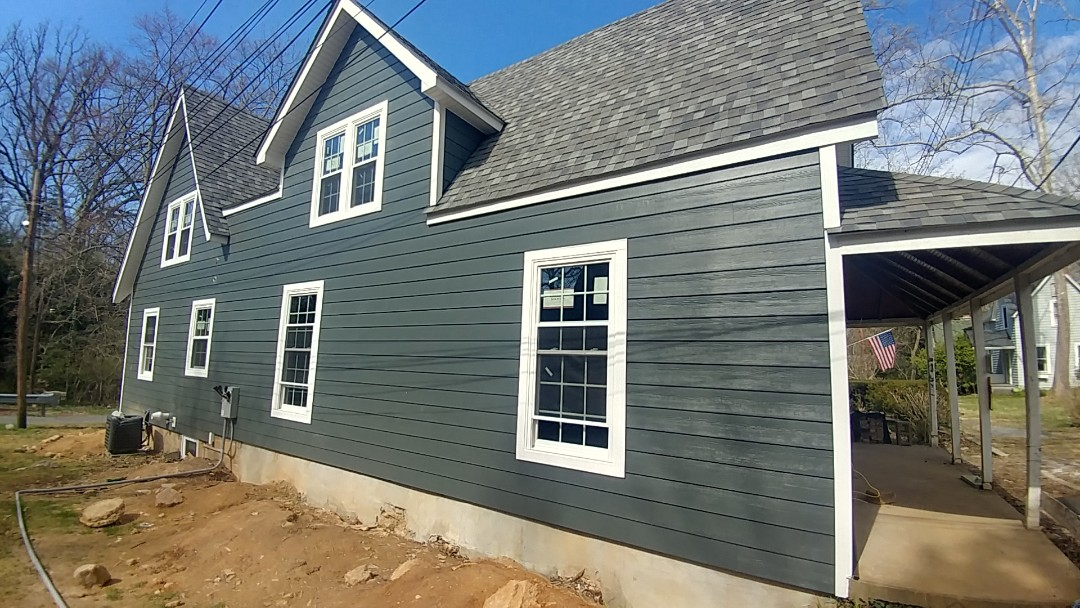 Washington Grove, MD - New Certainteed Architectural shingles, Simonton new construction vinyl windows and James Hardie, Pre-finished lap siding in Washington Grove, Maryland