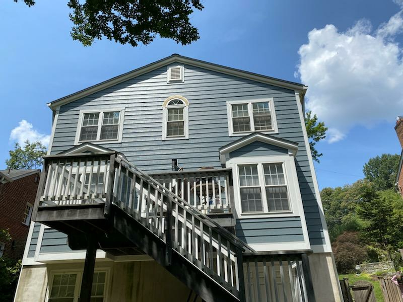 Annapolis, MD - Finished James hardie lap siding using hardie accent trim