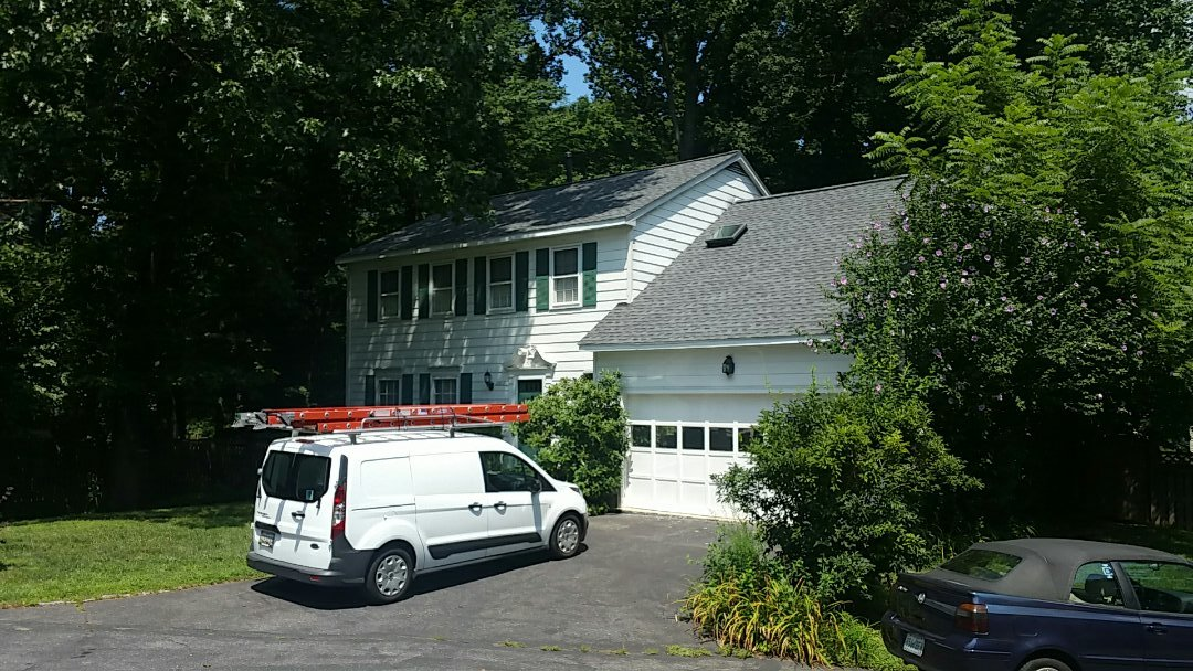 Brookeville, MD - Certified 50 tear Architectural roof system by Certainteed!