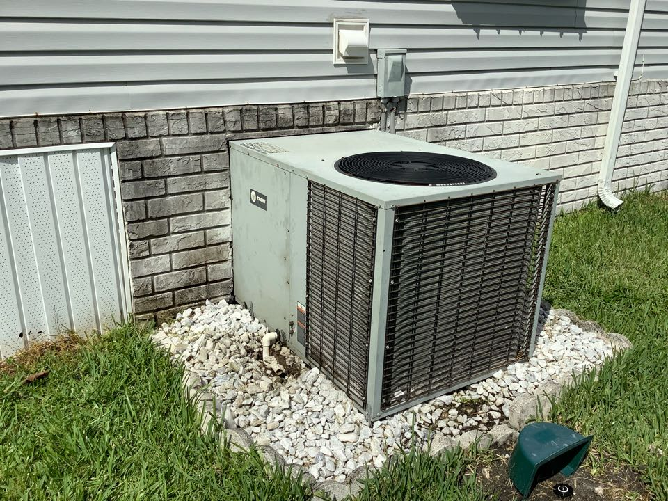 Boca Raton, FL - AC Service Call unit not cooling. Evaluate system to find unit is low on refrigerant. Charge unit to factory specifications and unit is cooling at this time.