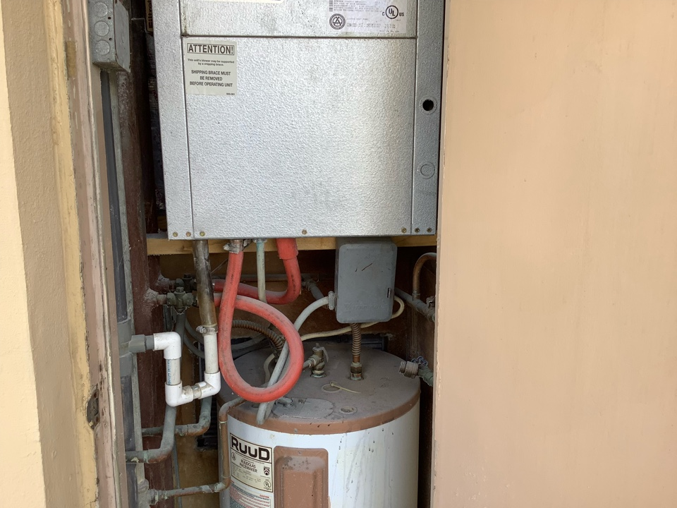 Lauderdale-by-the-Sea, FL - AC Maintenance Call. Perform routine maintenance on Florida Heat Pump air conditioning system.