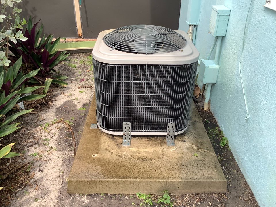 Oakland Park, FL - AC Maintenance Call. Perform routine maintenance per maintenance agreement on Tempstar air conditioning system.