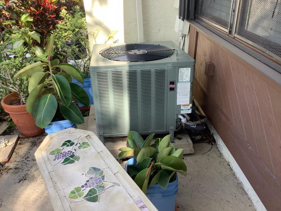 Pompano Beach, FL - AC Maintenance Call. Perform routine maintenance on Ruud air conditioning split system