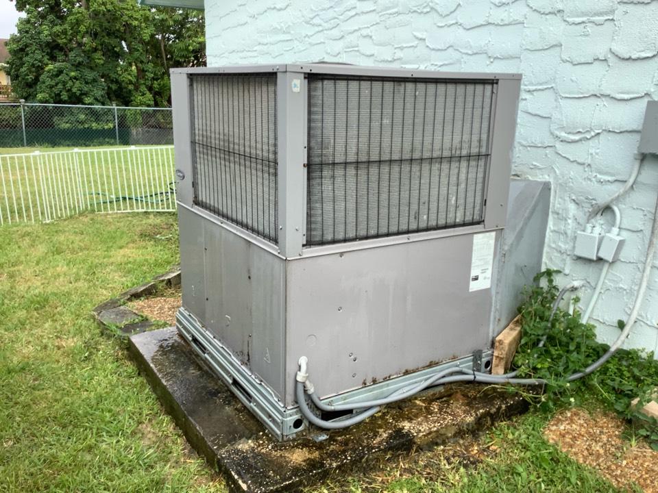Sunrise, FL - AC Maintenance Call. Perform routine maintenance per maintenance agreement on air conditioning system.