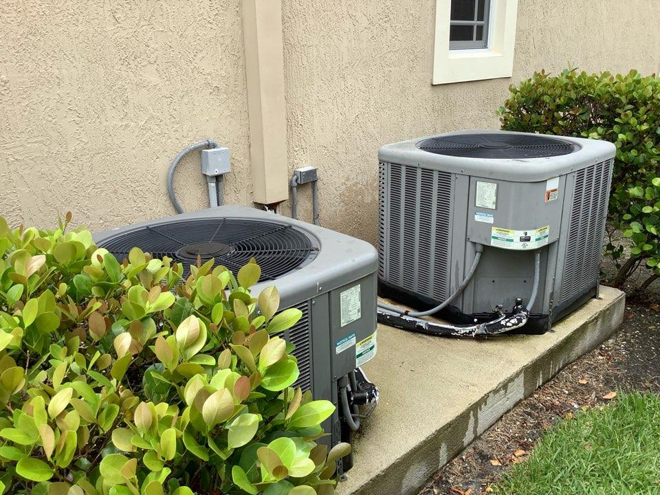 Parkland, FL - AC Maintenance Call. Perform routine maintenance per maintenance agreement on Rheem air conditioning system.