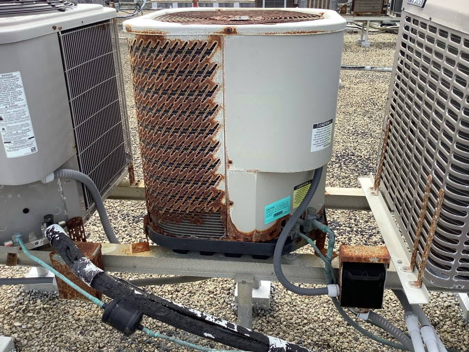 Hillsboro Beach, FL - AC Service Call. Evaluate system to find disconnect box will need to be replaced.