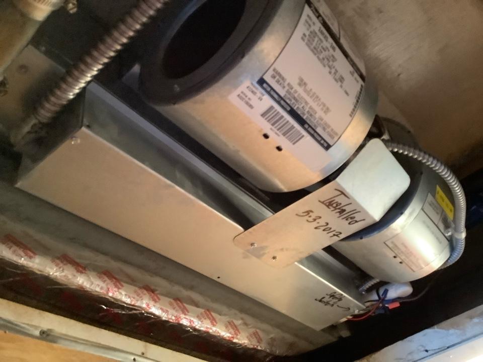 Hillsboro Beach, FL - AC Maintenance Call. Perform routine maintenance per maintenance agreement on air conditioning system.