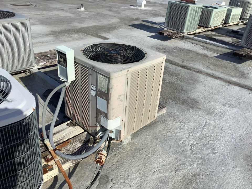 Oakland Park, FL - AC Maintenance Call. Perform routine maintenance per maintenance agreement on Ruud and First Company air conditioning split system.