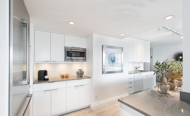 New York, NY - Best home remodeling contractors near me also performing full kitchen remodeling projects!