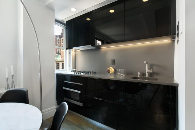 New York, NY - Small spaces deserve great design. Midtown manhattan studio kitchenette renovation by knockout Renovation