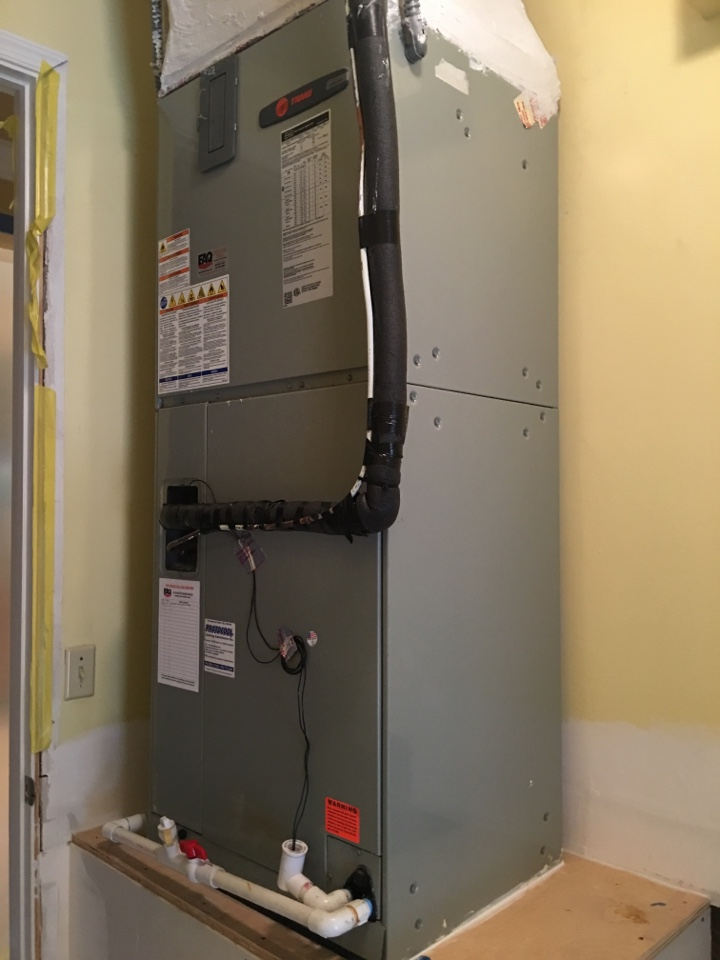 Davie, FL - Reinstalled a Trane ahu in a residential neighborhood made a return box and remade the plenum