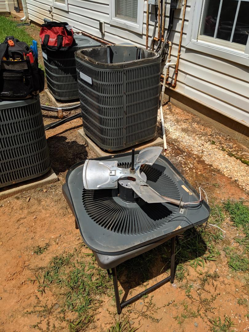 Charlotte, NC - Replacing fan motor