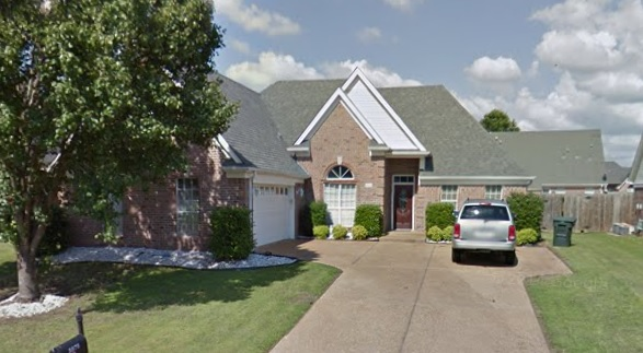 Southaven, MS - Visiting one of the seller that reached out to us. They are looking to downsize and get their equity from this property. We buy big homes for Cash! We buy great condition homes too.