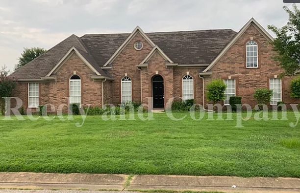 Southaven, MS - We got this awesome Property in the Southaven Area! The seller originally have this as a rental property and we acquired it recently. If your having problems with your Tenants or just tired of managing your rental property, SELL IT TO US FOR CASH!
