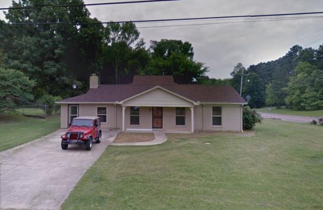 Horn Lake, MS - We just recently checked this neat looking 3BD 2BA home in Horn Lake. There's a lot to consider when selling a home for cash versus putting it on the market. Save yourselves some time and hassle. We buy properties CASH in any condition. Call us up now!