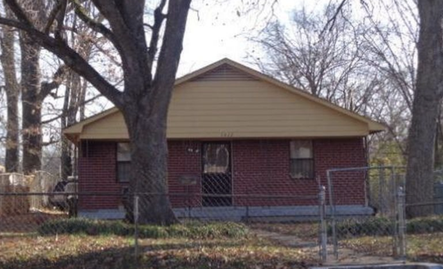 Memphis, TN - Another Lovely Property that our acquisition team checks out today! Are you wondering if you can sell a property without any repairs? We got you! We Buy them As-is. No matter how much repairs is needed we will make you an all Cash offer!