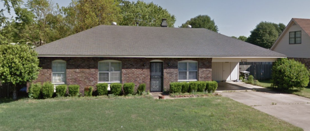 Memphis, TN - Checking this Awesome property! Look at this beautiful facade we do not only buy distress properties but also those properties that are move-in ready! If you want an easy painless process of selling your house where you have a guaranteed closing date, call us and we will make you a Fair Offer!