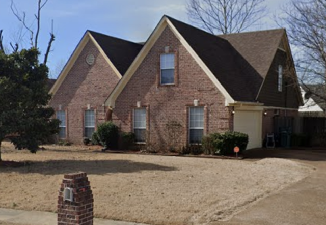 Memphis, TN - This house have a lot of potential! Easily sold through listing it? maybe, but why would you gamble your time and put all the effort on getting it ready for listing? It is so easy to get a property sold directly to a cash buyer like us. We can get you an all cash offer within 2-3 days!
