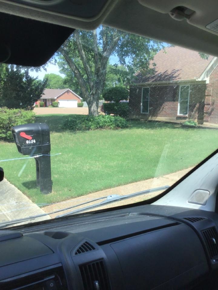Memphis, TN - Inspect leaking window