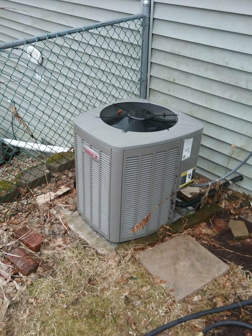 Worcester, MA - Service on a lennnox heat pump