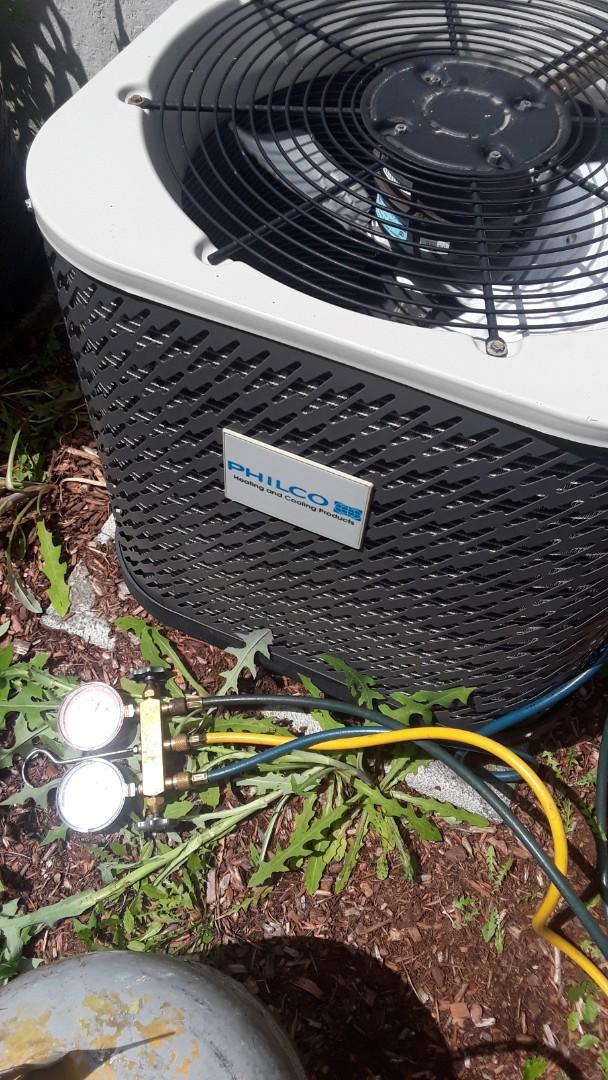 Shrewsbury, MA - Repair on Philco AC unit