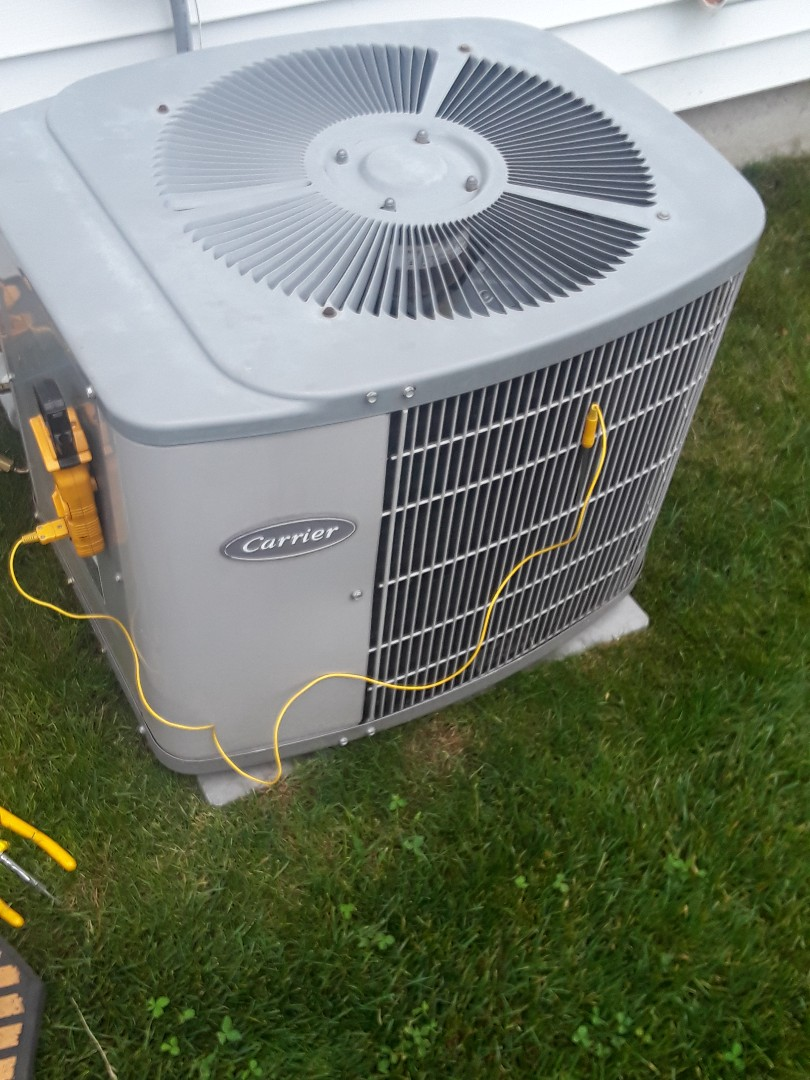 Uxbridge, MA - Repair on a Carrier AC unit