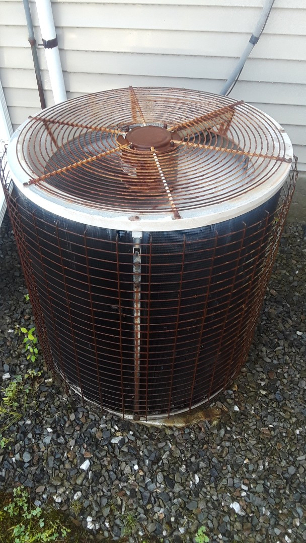 Leominster, MA - Clean and check Amana AC unit