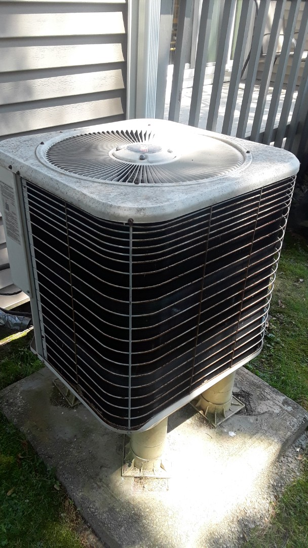 Oxford, MA - Repair on a Lennox AC unit