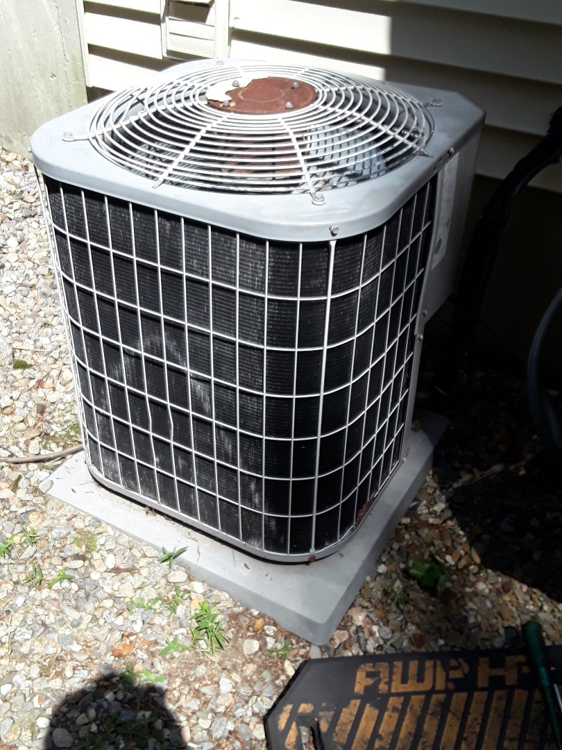 Holden, MA - Repair on a Carrier AC unit