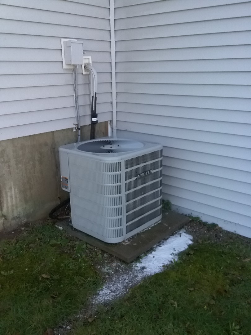 Leominster, MA - Cleaning a aire-flow condenser