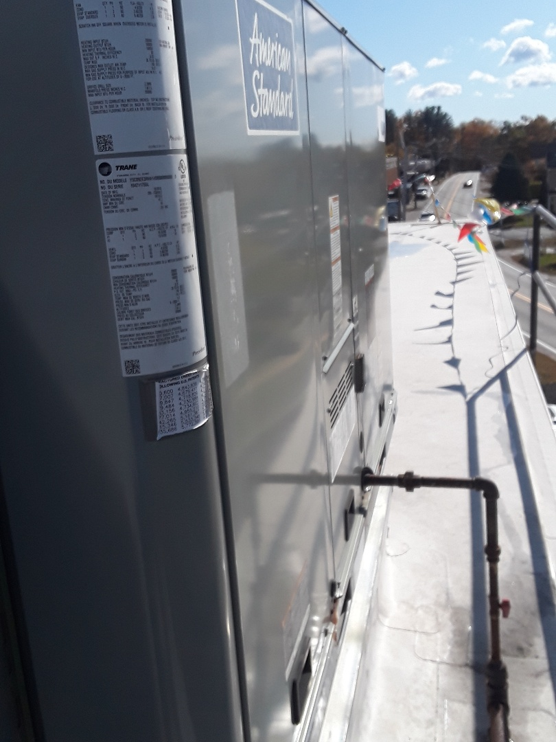 Leominster, MA - Clean and check American Standard rooftop unit