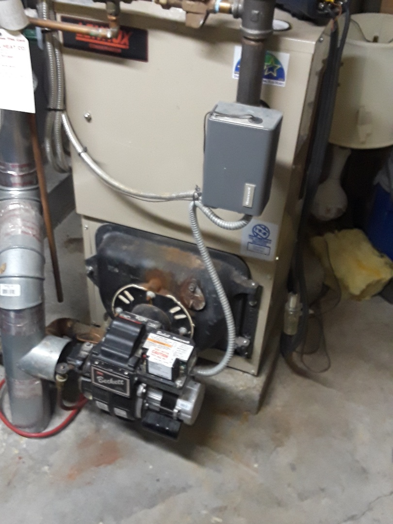 Boylston, MA - Clean and check Lennox oil boiler