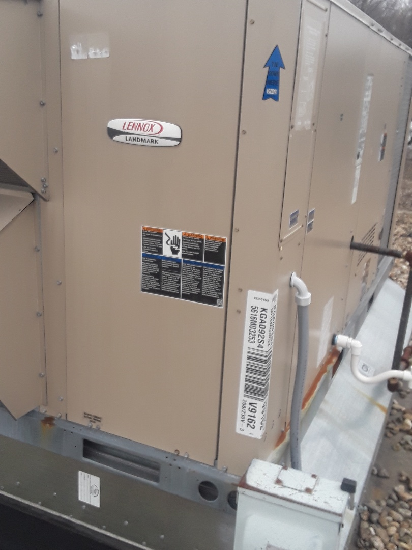 Leominster, MA - Clean and check Lennox rooftop unit