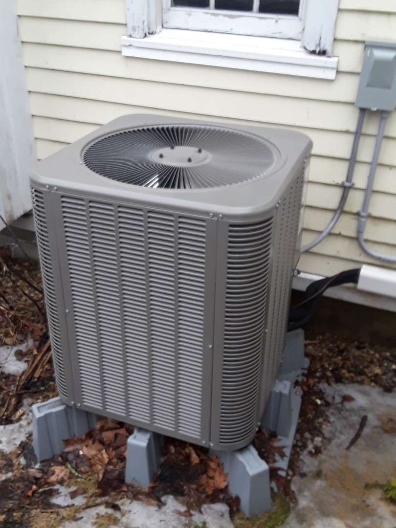 Princeton, MA - Clean and check Lennox Heat Pump