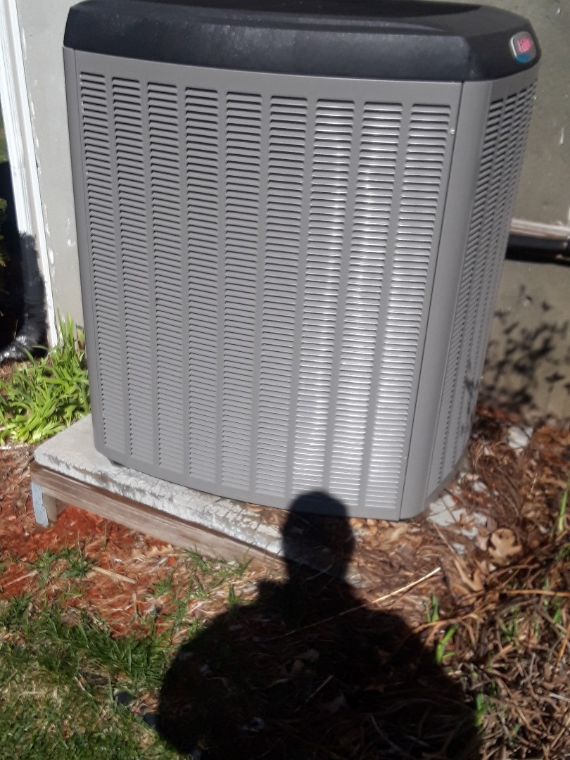 Sturbridge, MA - Clean and check Lennox AC unit