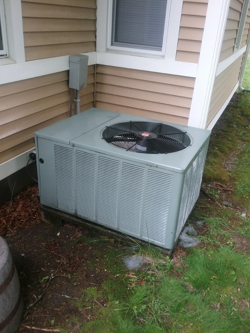 Service on a rheem condensor