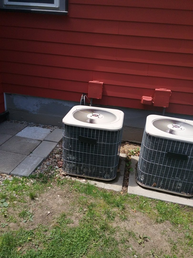 Leominster, MA - Service of a lennox air conditioning system
