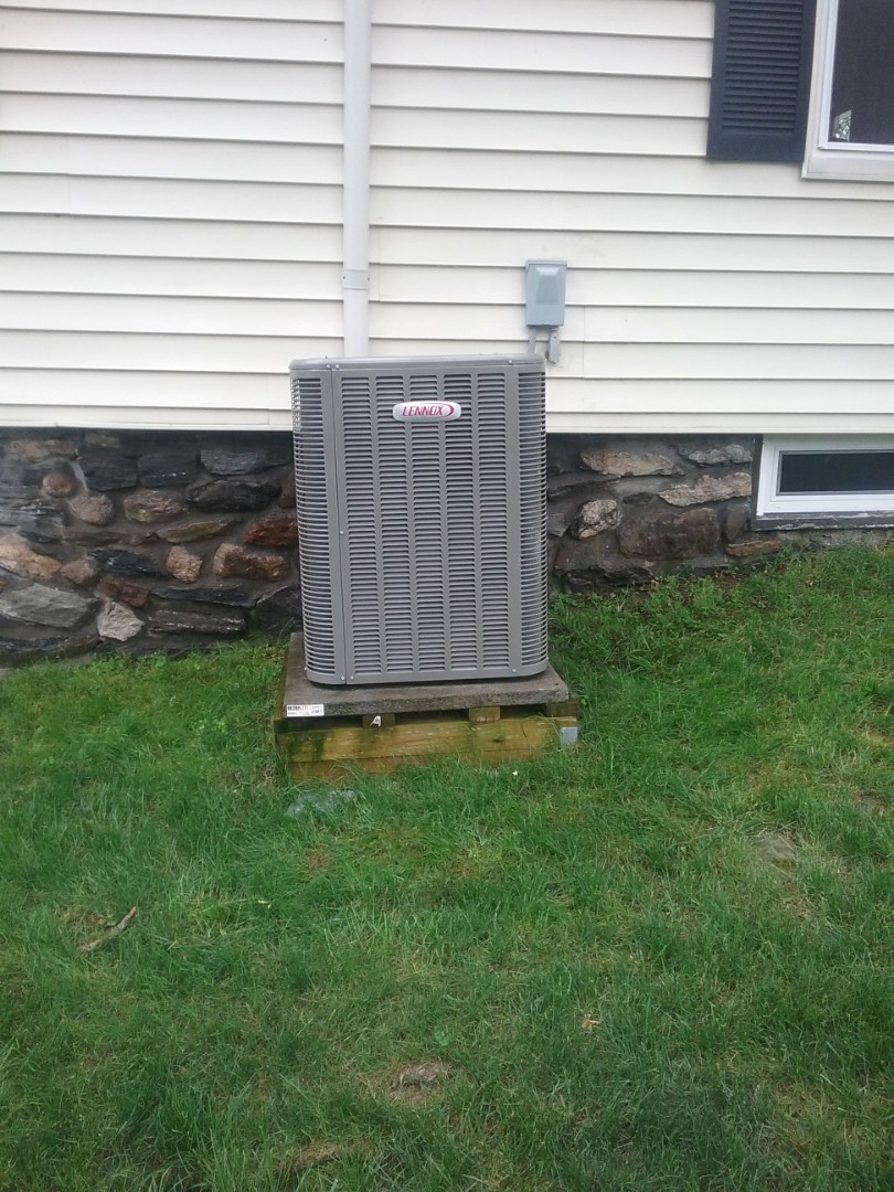 Millbury, MA - Service on a lennox condensor for air conditioning