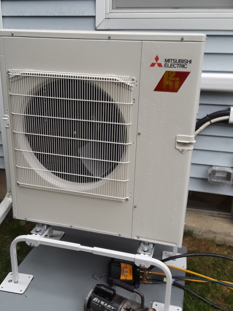Charlton, MA - Mitsubishi mini split installation