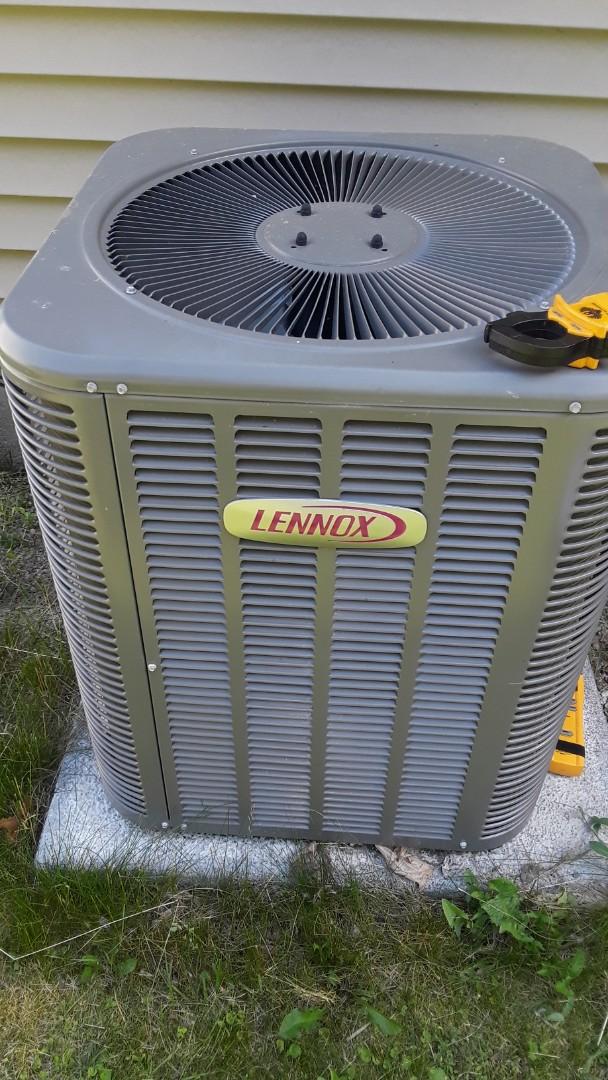 Worcester, MA - Repair on a Lennox AC unit