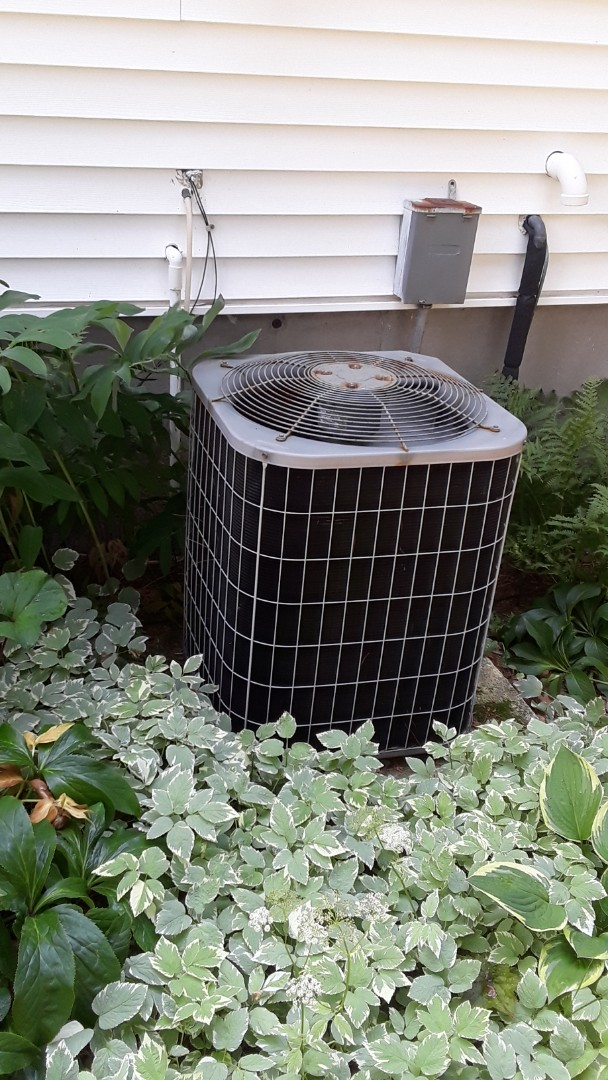 Northborough, MA - Repair on a Carrier AC unit