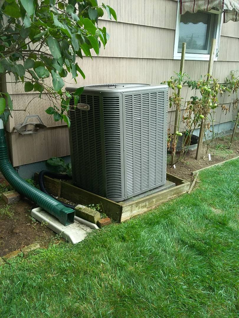 Southbridge, MA - Performed preventive maintenance on lennox nat gas furnace and lennox air conditioning system