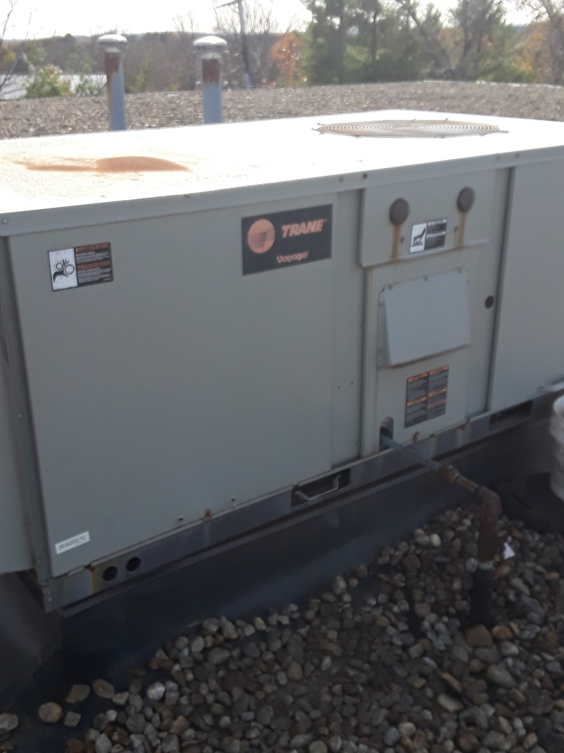 Leominster, MA - Repair on a trane rooftop unit