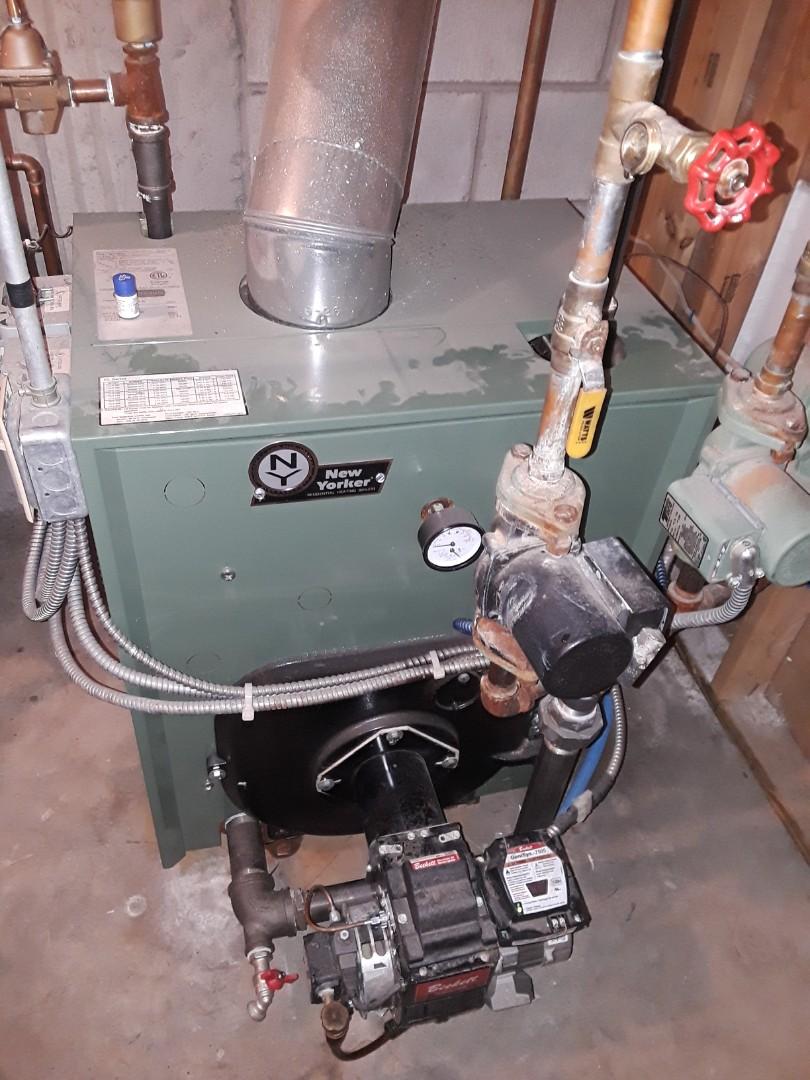 Rutland, MA - Repair on a New Yorker oul boiler