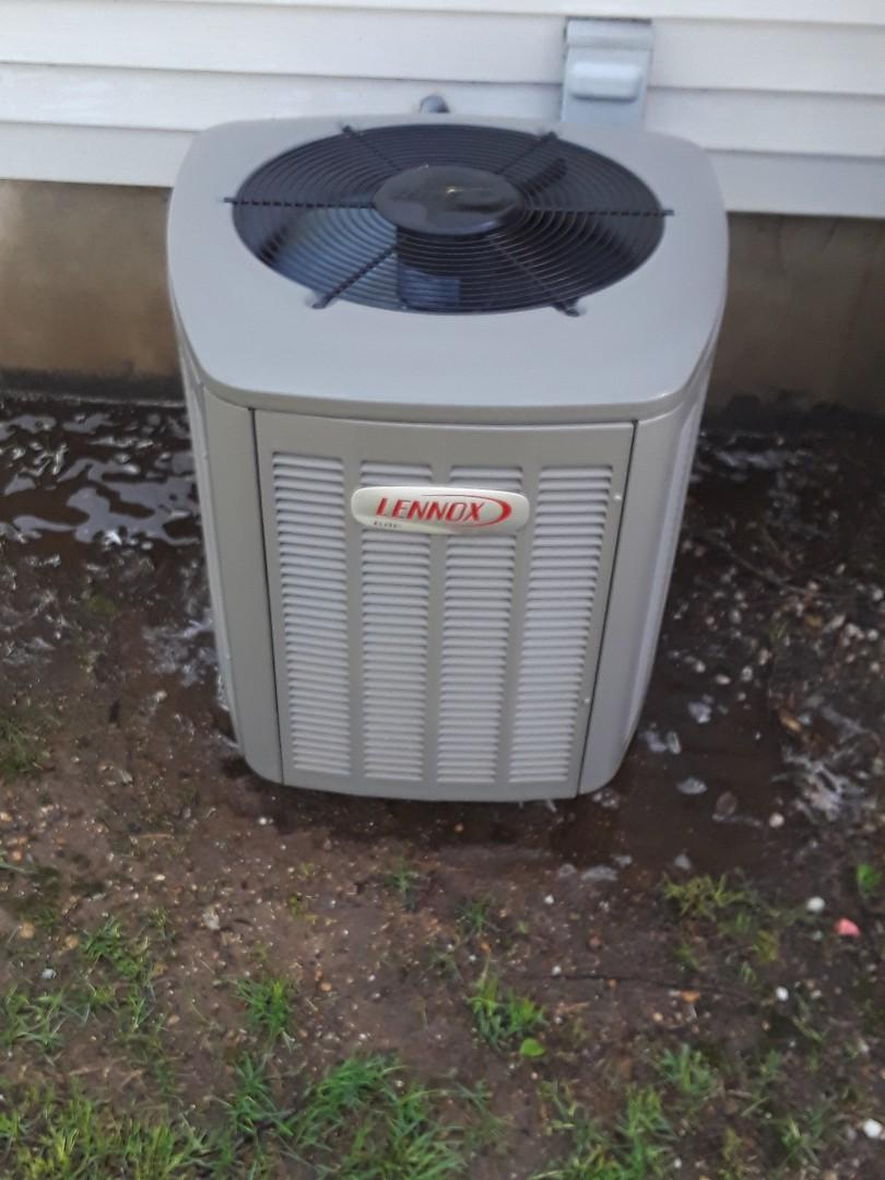 Sturbridge, MA - Clean and check Lennox AC unit