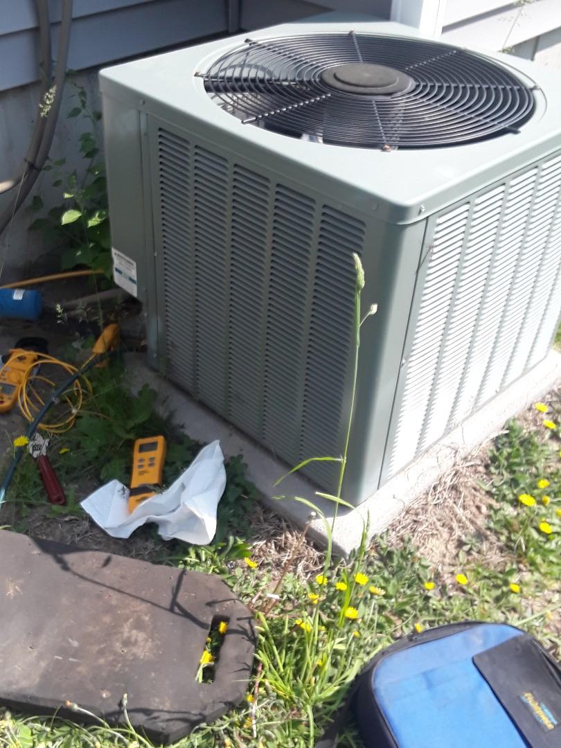 Leominster, MA - Repair on a Rheem AC unit