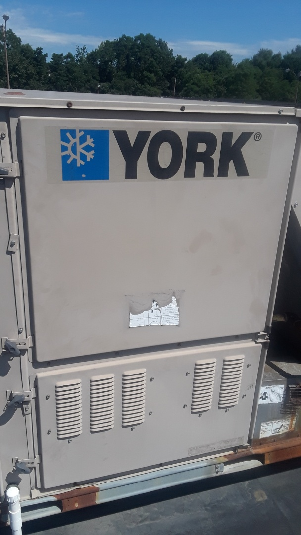 Fitchburg, MA - Repair on a York rooftop unit